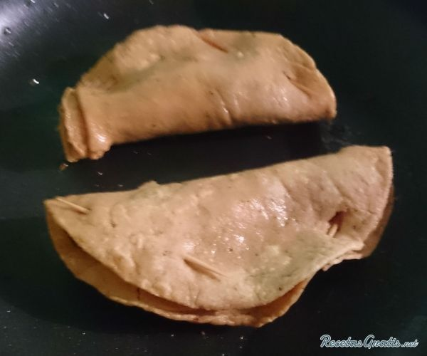 Aprende a preparar pescadillas estilo Guerrero con esta rica y fácil receta. Oriundas del estado de Guerrero. Alimento típico en las playas de Acapulco. Podemos...