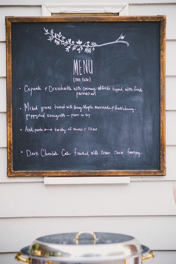 chalkboard in kitchen wall; can write menus when having dinner parties; otherwise, use for daily uses like grocery list, drawings, etc.