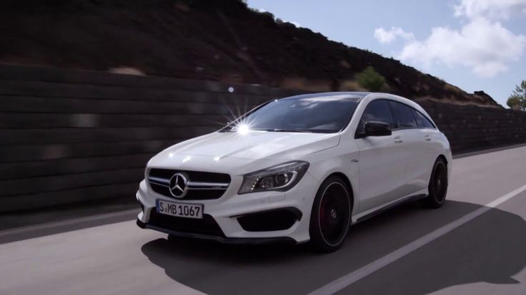 2015 Mercedes Benz CLA 45 AMG Shooting Brake driving
