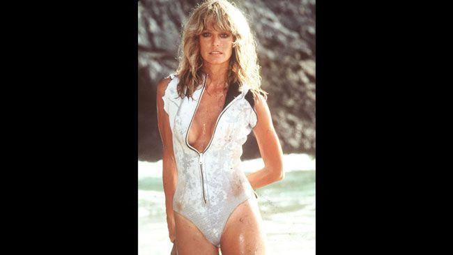 Farrah Fawcett a joué dans la première saison de la série Drôles de dames. Une affiche la montrant dans un maillot de bain rouge l'a officiellement promu au rang de pin-up, en 1976