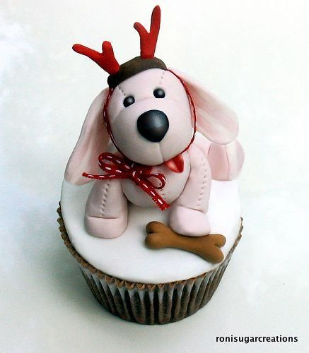 My-dog-wants-to-be-a-reindeer Cupcake