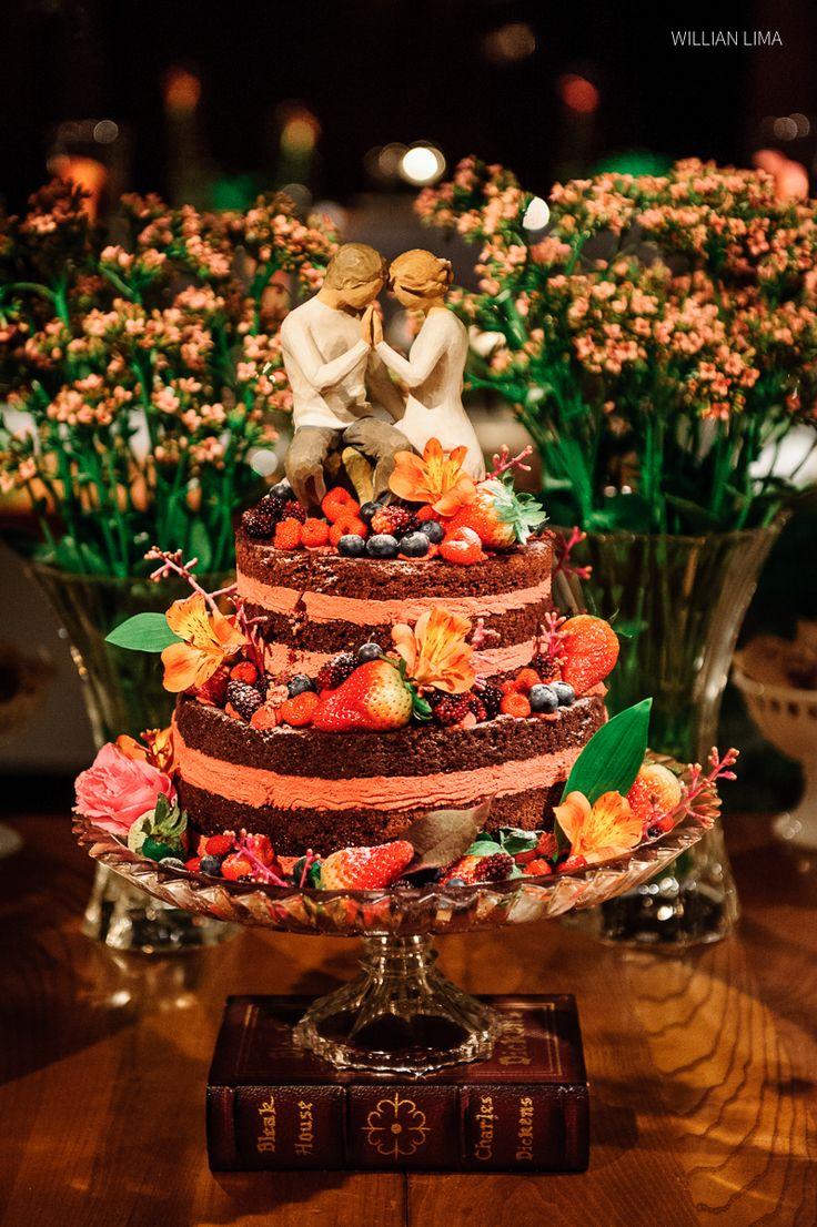 Naked Cake especial num Casamento em SP. Bolo tipo Naked com Morangos.