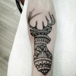 Ou un cerf mandala. | 49 idées sublimes de tatouages noir et gris