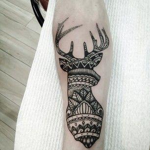 Tatuaje alce brazo