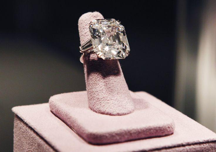 33.19 carat white diamond ring that Richard Burton bought for Elizabeth Taylor in 1968