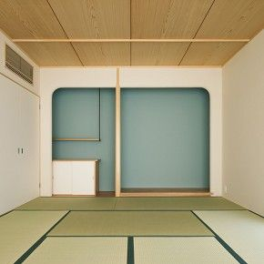 japanese traditional house interior: tatami - tokonoma - balance between material and neutral color palette.