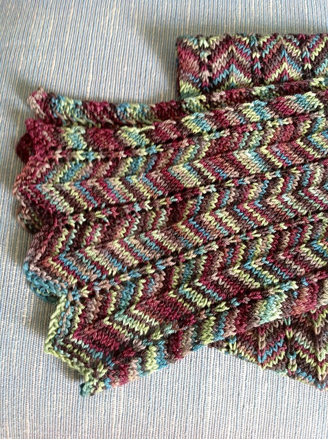 Crochet Scarf Pattern Variegated Yarn : 1000+ images about SEW - Crochet/Knit SCARVES on Pinterest ...