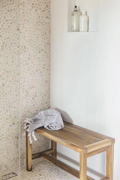 Kleine Badkamer En Suite ~ Moza?ek op net natuursteen keien beach pebbles klassieke badkamer