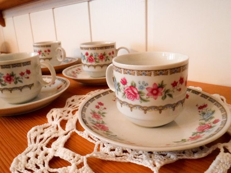 Vintage demitasse cups / espresso cup set / espresso mugs / vintage coffee cups / Italy espresso cup / coffee mug set / cups and saucers by GrandmasOldStories on Etsy