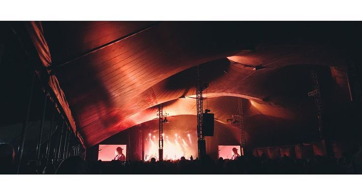 Warpaint na Opener Festival 2017  @warpaintwarpaintofficial @opener_festival #warpaint #opener #opener2017 #dark #night #evening #light #concert #gig #tent #live #music #festival #red #warm #vsco #vscocam #vscopoland #iphoneonly #shotoniphone #iphone7