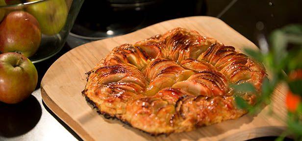 Luisa lädt ein. Diesmal zu einem italienisch-französischen Weihnachtsessen. Zum Dessert gibt es eine französische Apfeltarte.
