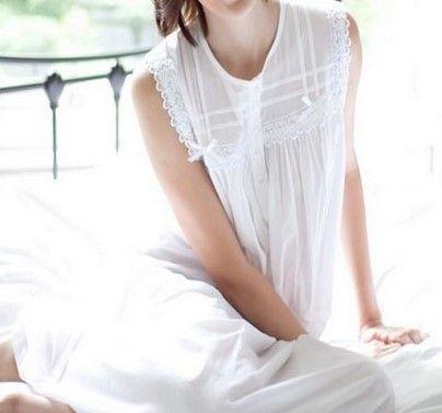 Chemise de nuit blanche en voile de coton sans manches trouvé sur CetaelleCetalui.com