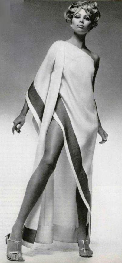 1967 Castillo www.vintageclothin.com
