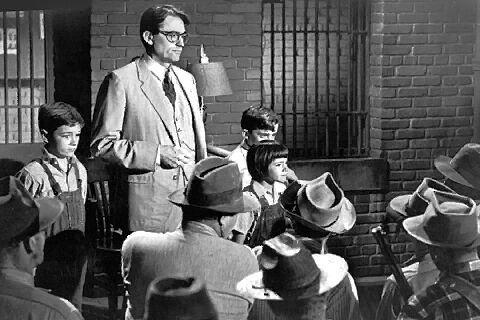 Ne bántsátok a feketerigót! /To Kill a Mockingbird/ feliratos, amerikai filmdráma, 124 perc, 1962   Atticus Finch Gregory Peck Heck Tate sheriff Frank Overton Tom Robinson Brock Peters              http://videa.hu/videok/film-animacio/ne-bantsatok-a-feketerigot-teljes-film-ChZjyTReZcsYc0NG