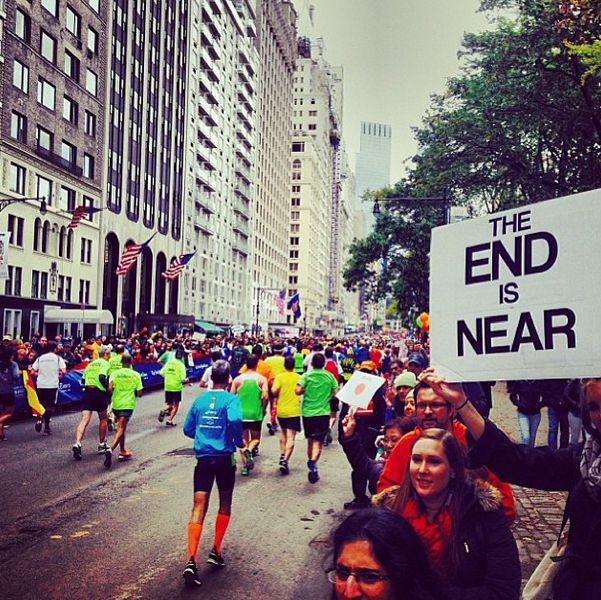 When in doubt, state the obvious. /  The 35 Best Signs From The NYC Marathon (via BuzzFeed)