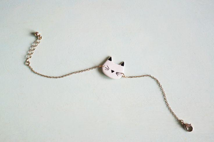 Bracelet Pâte Fimo Chat HOKU - Un petit bracelet réalisé en pâte fimo - peinture à l'acrylique et vernis - Bijoux épurés - Pastel - Cat