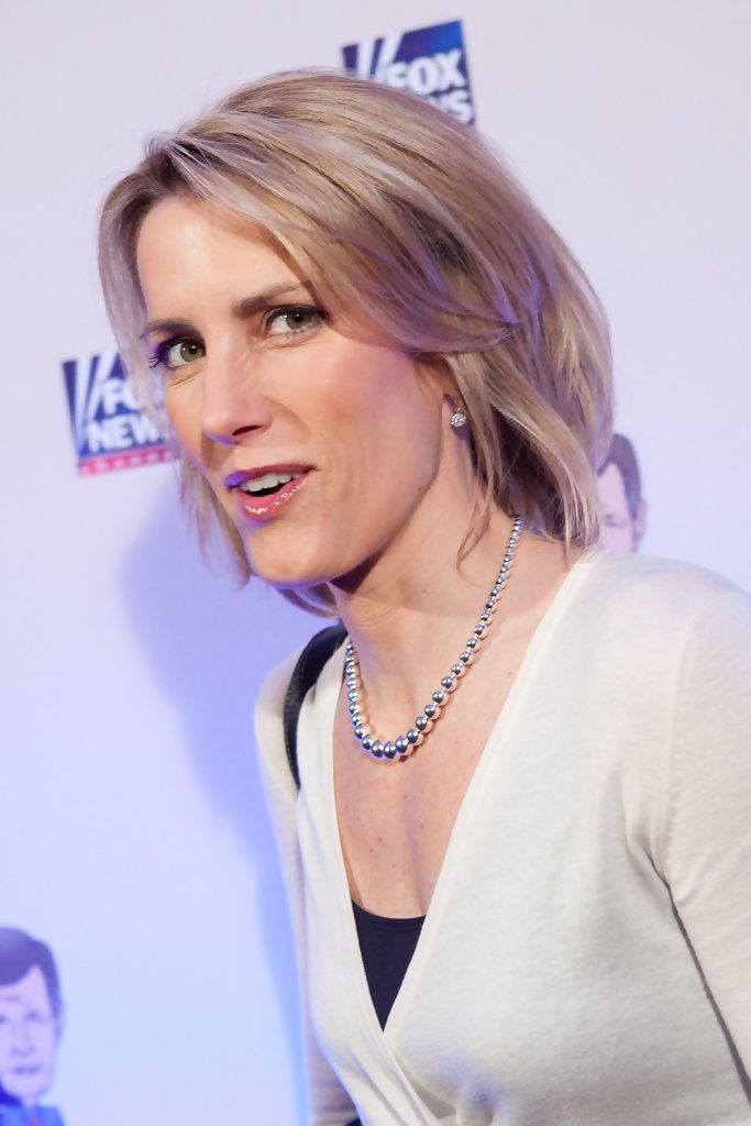 Laura Ingraham Photos Photos - Conservative radio host Laura Ingraham poses on the red carpet upon arrival at a salute to FOX News Channel's Brit Hume on January 8, 2009 in Washington, DC. Hume was honored for his 35 years in journalism.  (Photo by Brendan Hoffman/Getty Images) * Local Caption * Laura Ingraham - Salute To FOX News Channel's Brit Hume