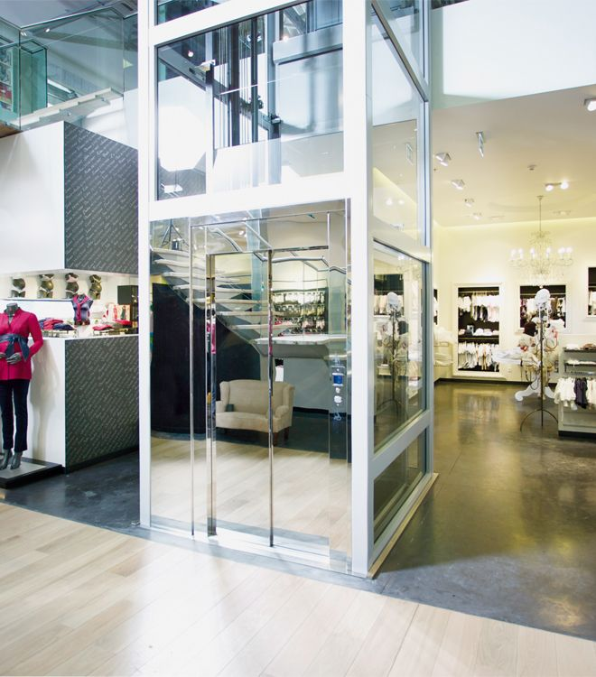 DomusLift is perfect for your store: is the homelift conceived in order to meet the needs of vertical mobility and to remove architectural barriers in private and public buildings.