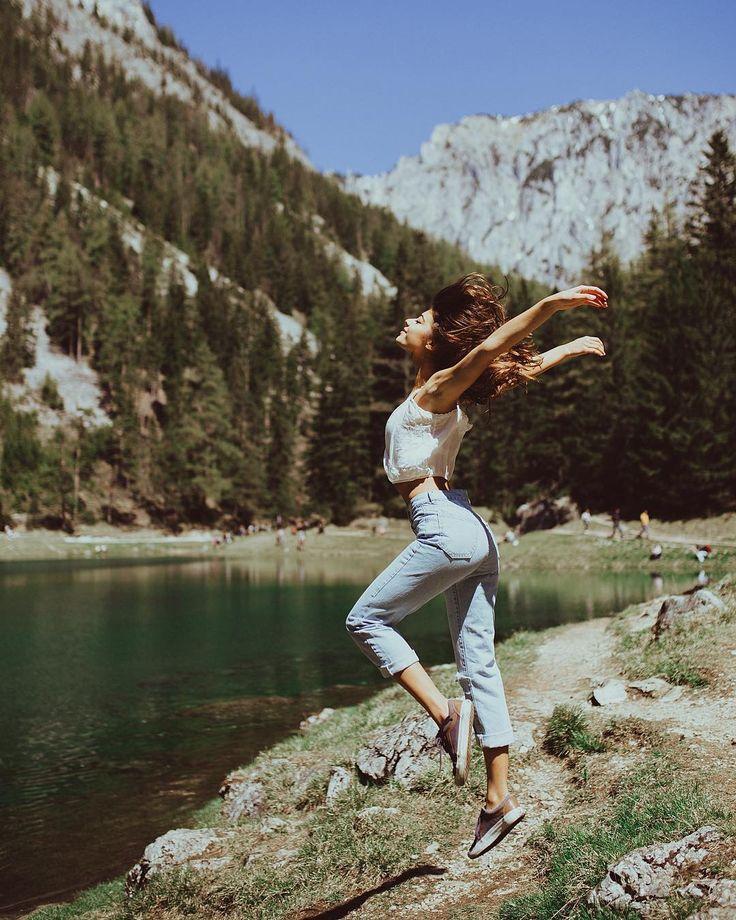 фото комнатные позы для фотосессии на фоне горы необычный