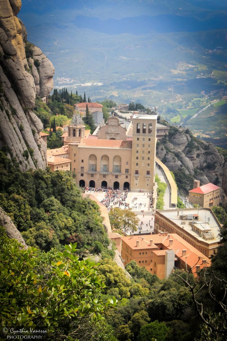 Monserrat, Spain. Photo by Cynthia Venessa.