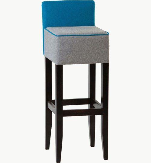 Barstol med klädd sits och rygg, många färger att välja på ben alternativ tyg. Ingår i en serie med stol och karmstol.Barstolen är tillverkad i trä med bets samt med ett sittskal som är stoppat/klätt. Stolen väger 7,7 kg, vilket är en normal vikt för barstolar. Tyg Lido 100 % polyester, brandklassad. Tyg Luxury, 100 % polyester, brandklassad. Konstläder Pisa, brandklassad, 88,5% PVC, 11,5% polyester.
