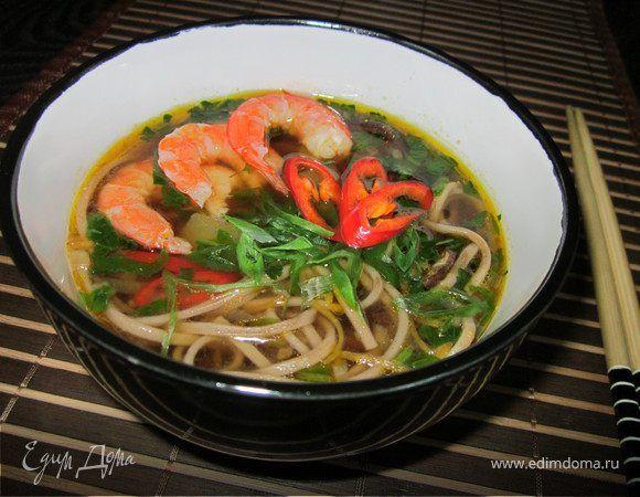 "Суп ""Рамен"". Ингредиенты: вешенки, цукини, морковь"