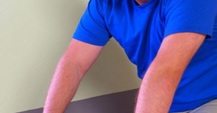 Quais músculos você trabalha em uma aula de spinning?. O spinning é uma aula de ginástica em que um grupo de pessoas pedala em bicicletas ergométricas. Ela oferece um grande exercício cardiovascular, mas também fortalece o seu coração e vários grupos musculares em suas pernas, costas e abdômen. Se você for um novato, certifique-se de estar usando um monitor de frequência cardíaca e saber a sua ...