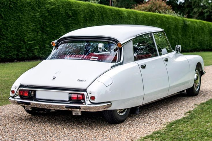 Cool Cars: The Top 10 Coolest Cars   Citroen DS Rear