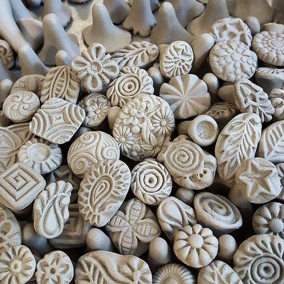 Sellos artesanales de cerámica