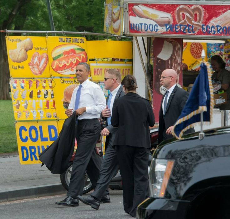 Obama Orders   In Hot Dogs