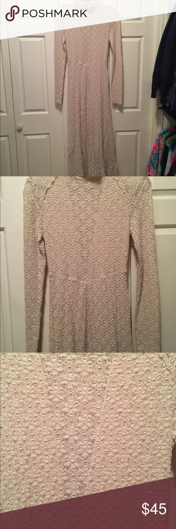 Free People Dress size M Free People Beautiful Cream color dress. Size medium. In great shape. Only worn once. Free People Dresses Long Sleeve