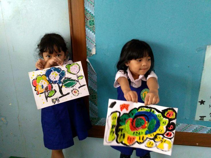 "Harapan Ibu School_Sonia ""Fungky Circle Flower"""