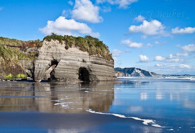 Elephant Rock, North Taranaki <3