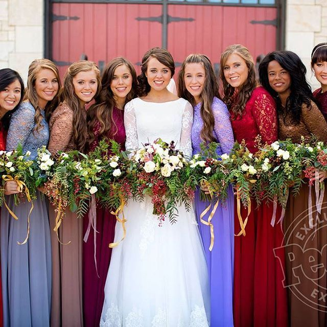 Bride and bridesmaid ❤ #jeremyandjingervuolo #jeremyvuolo #jingervuolo