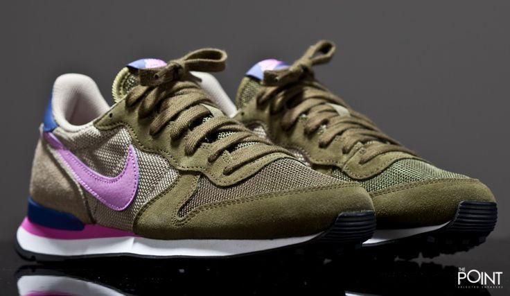 Zapatillas Nike Internationalist Verde Violeta, esta nueva versión para chica…