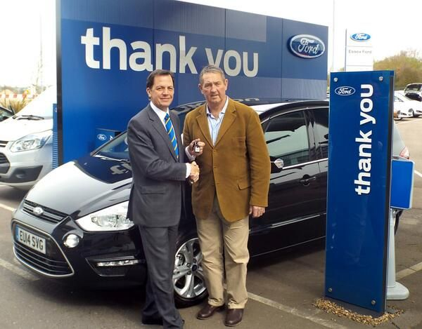 Essex County Cricket coach Graham Gooch got his new 14 plate Ford S-MAX from Essex Auto Group's chairman Philip Maskell at our showroom in Basildon.