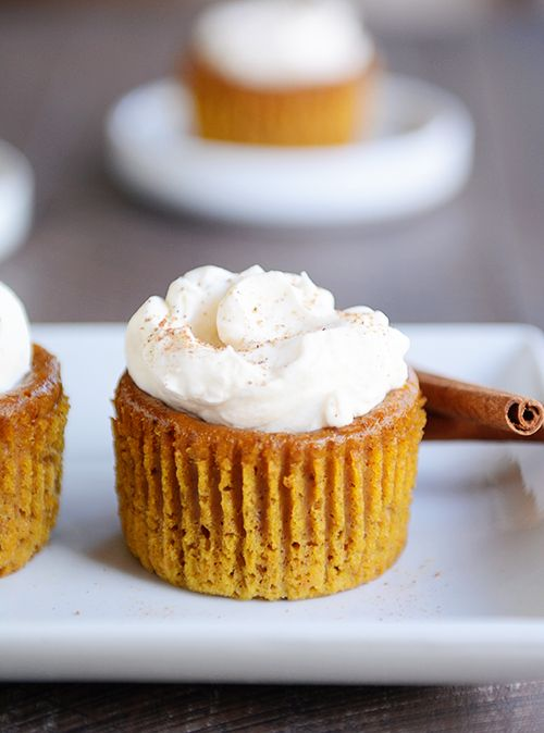 Amazing Crustless Pumpkin Pie Cupcakes
