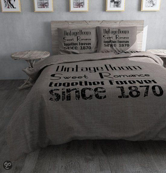 Dit heb ik gekocht bij bol.com: Sleeptime Vintage Room Dekbedovertrekset 200x200/220 + 2 kussenslopen 60x70 - Grijs - http://go.bol.com/pb/1001024222439795