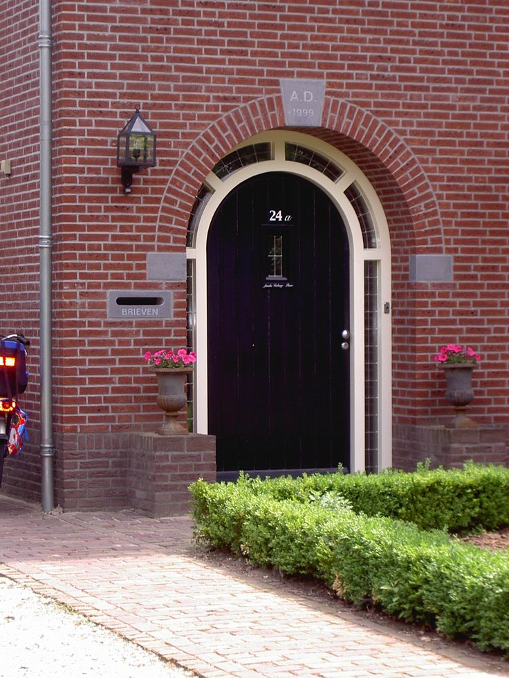 Voordeur van een woonhuis in Holthuis.