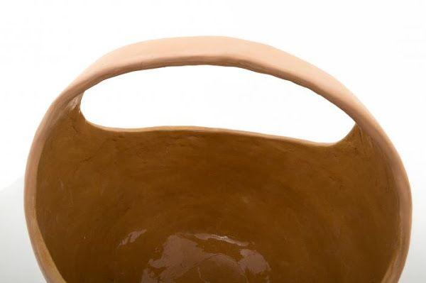 Ceramic vase with handle - detail