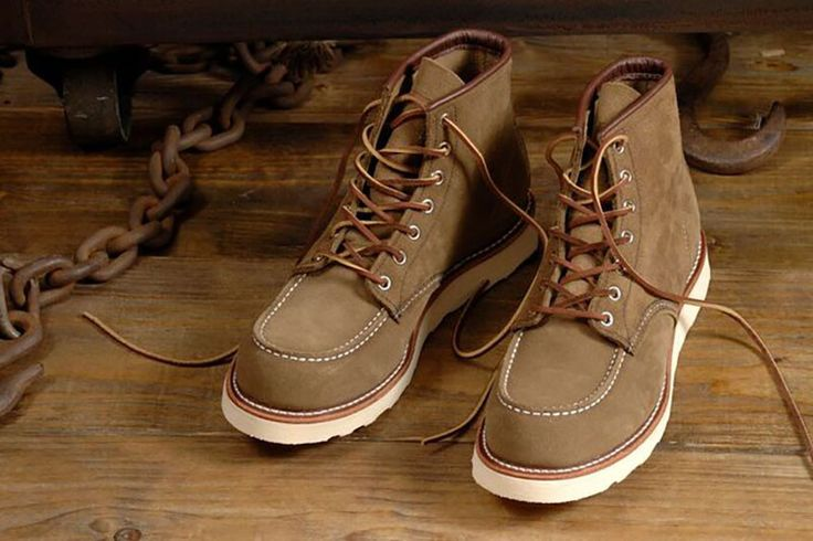 Red Wing Classic Moc Toe Boots 8881 | Red Wing London London