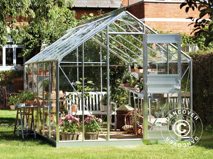 GREENHOUSE GLASS JULIANA JUNIOR 2.77X4.41X2.57 M, ALUMINIUM A high-quality greenhouse from the well-known greenhouse manufacturer Juliana. The classic greenhouse has many features and is a pleasure to watch. The greenhouse will also ensure optimal growth conditions for all the vegetables, flowers, and more which can be grown in the beautiful and functional greenhouse.