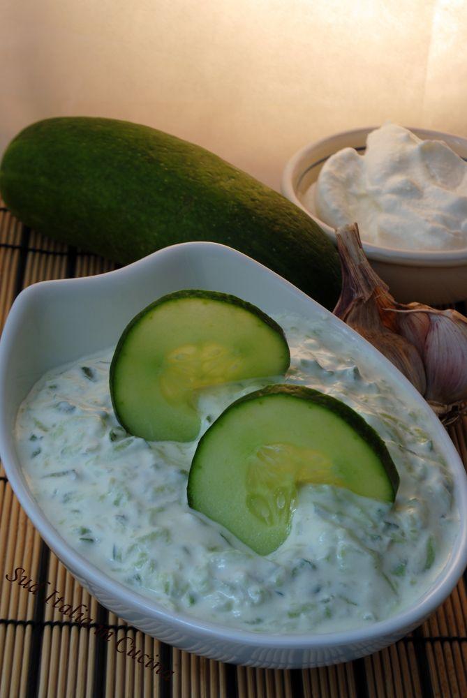 Tzatziki - Il meglio per un pasto estivo - Impariamo a farcelo a casa nostra http://blog.giallozafferano.it/suditaliaincucina/?p=2291