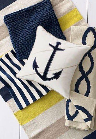 Decoración estilo marinero: rayas - Decoración inspirada en el estilo navy - Si hay algo que caracteriza a este estilo son las rayas: azules, blancas, rojas, verticales u horizontales. Estamos acostumbradas a verlas en moda, pero también son un elemento clave en los textiles de casa...