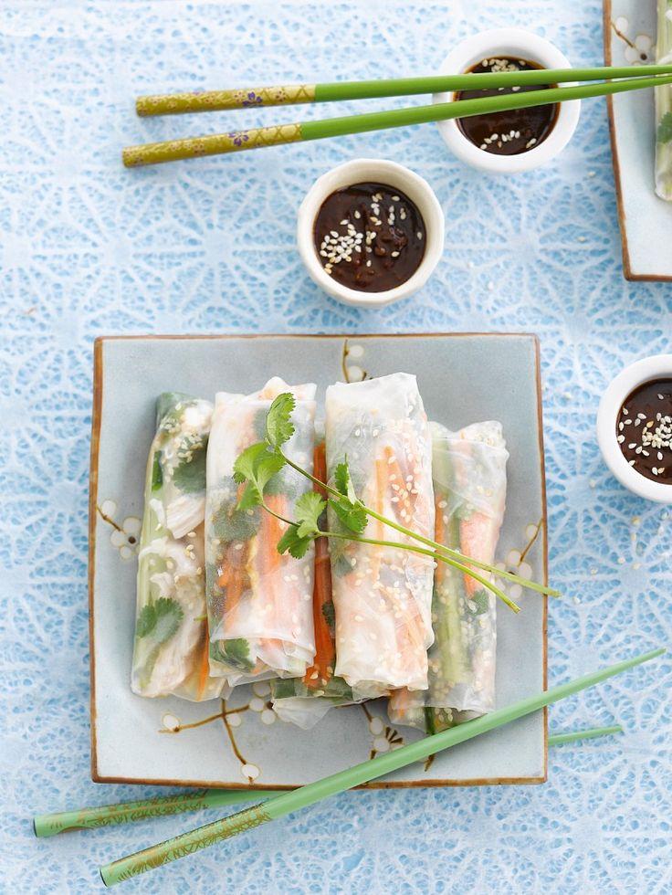 Reispapierröllchen mit Hähnchen und Gemüse gefüllt | http://eatsmarter.de/rezepte/reispapierroellchen-7