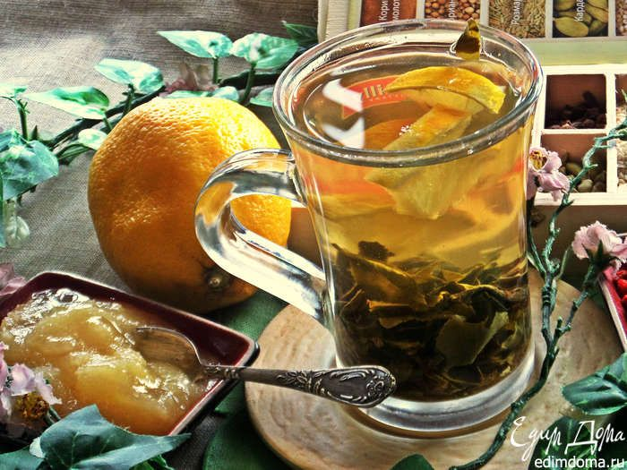 Подаём с мёдом (я любой чай могу пить с мёдом и даже кофе).