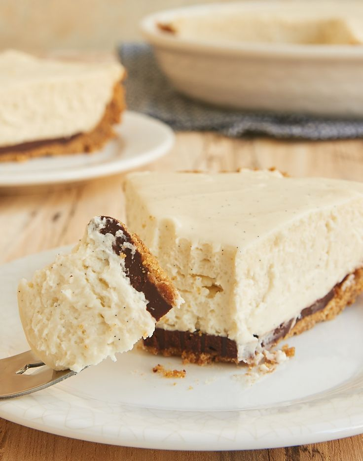 Black Bottom Vanilla Bean Cheesecake is a celebration of vanilla with a little chocolate surprise. This is one delicious dessert! - Bake or Break ~ http://www.bakeorbreak.com