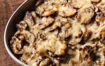 Πατάτες με μανιτάρια σε κρεμώδη σάλτσα με τυριά