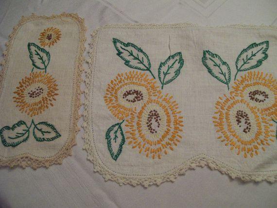 Tapetes florales bordados y ganchillo Vintage por FabVintageEstates