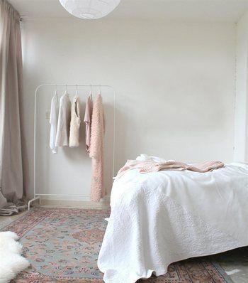 驚きの799円!IKEAの洋服ラックはシンプルでどんなお部屋にも合うん ... ホワイトの「MULIG」なら、白い壁紙の空間の広さを失う